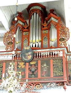Buttforde Orgel 2012.jpg