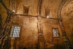 Lateral derecho segun se entra de la cámara santa.