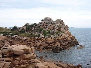 Côte de Granit Rose - Image: Côte de granit rose 1