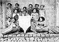 COLLECTIE TROPENMUSEUM Vrouwelijke familieleden van de vorst van Lombok TMnr 10005870.jpg