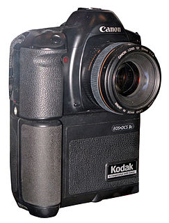 Canon EOS DCS 3 digital camera model