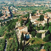 Veduta aerea del Castello di Calenzano