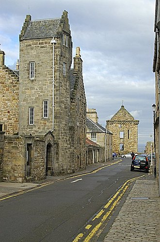 Siege of St Andrews Castle - French guns were towed through the streets