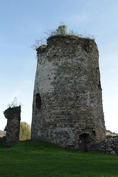 La tour (vue de l'intérieur de l'enceinte).