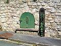 Champagne-sur-Oise (95), ancienne fontaine publique XVIIIe s., rue Notre-Dame.jpg