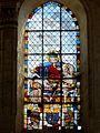 Champeaux (77), collégiale St-Martin, chevet, vitrail de la 3e fenêtre.JPG