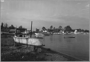 Benedict, Maryland - Oyster boats and pleasure craft docked in the Patuxent River at Benedict, 1941