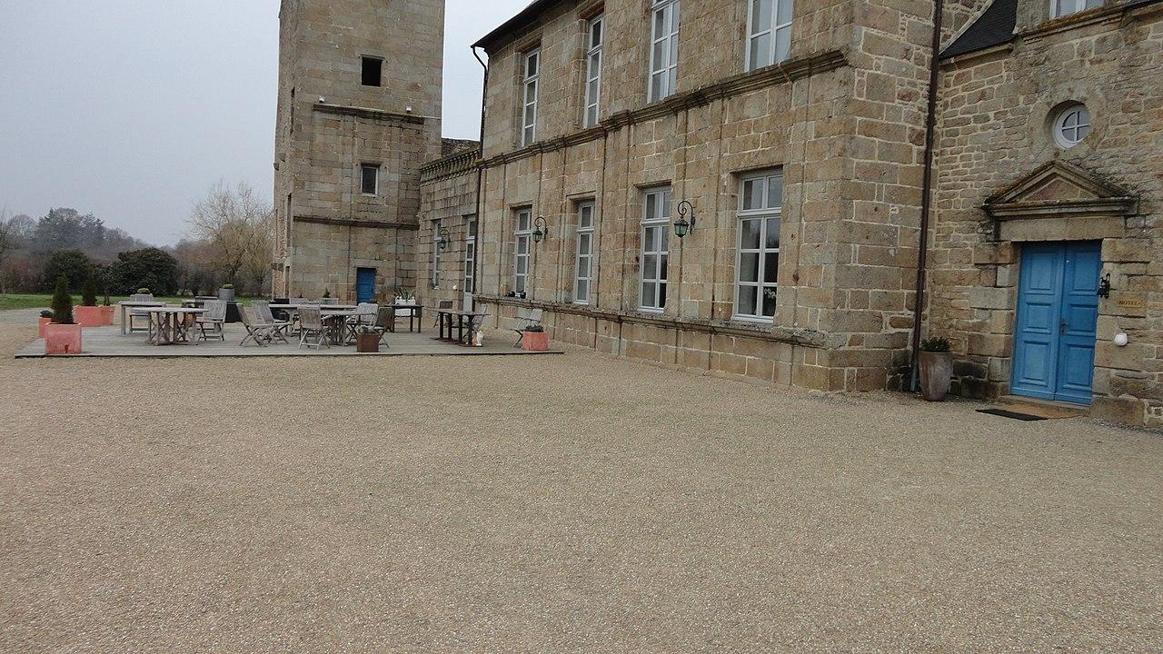 File Chateau du Bois Guy, Parigné (35), facade arri u00e8re JPG Wikimedia Commons # Chateau Du Bois Guy Parigné