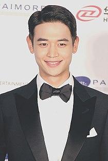 Choi Min-ho at the 54th Grand Bell Awards 01.jpg
