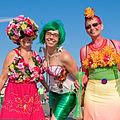 Coney Island Mermaid Parade 2008 20080621 smiles.jpg