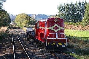 Otago Central Railway - A DE class locomotive on the Otago Central Railway