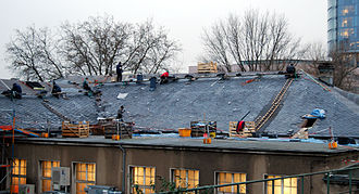Köln Messe/Deutz station - Roof of the station building with the installation of new slate (2008)