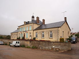 Dampierre-sous-Bouhy-mairie.JPG