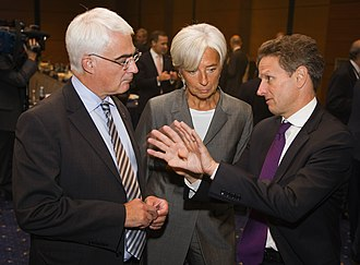 Christine Lagarde - Alistair Darling (left) with Lagarde and Timothy Geithner (right) in 2009