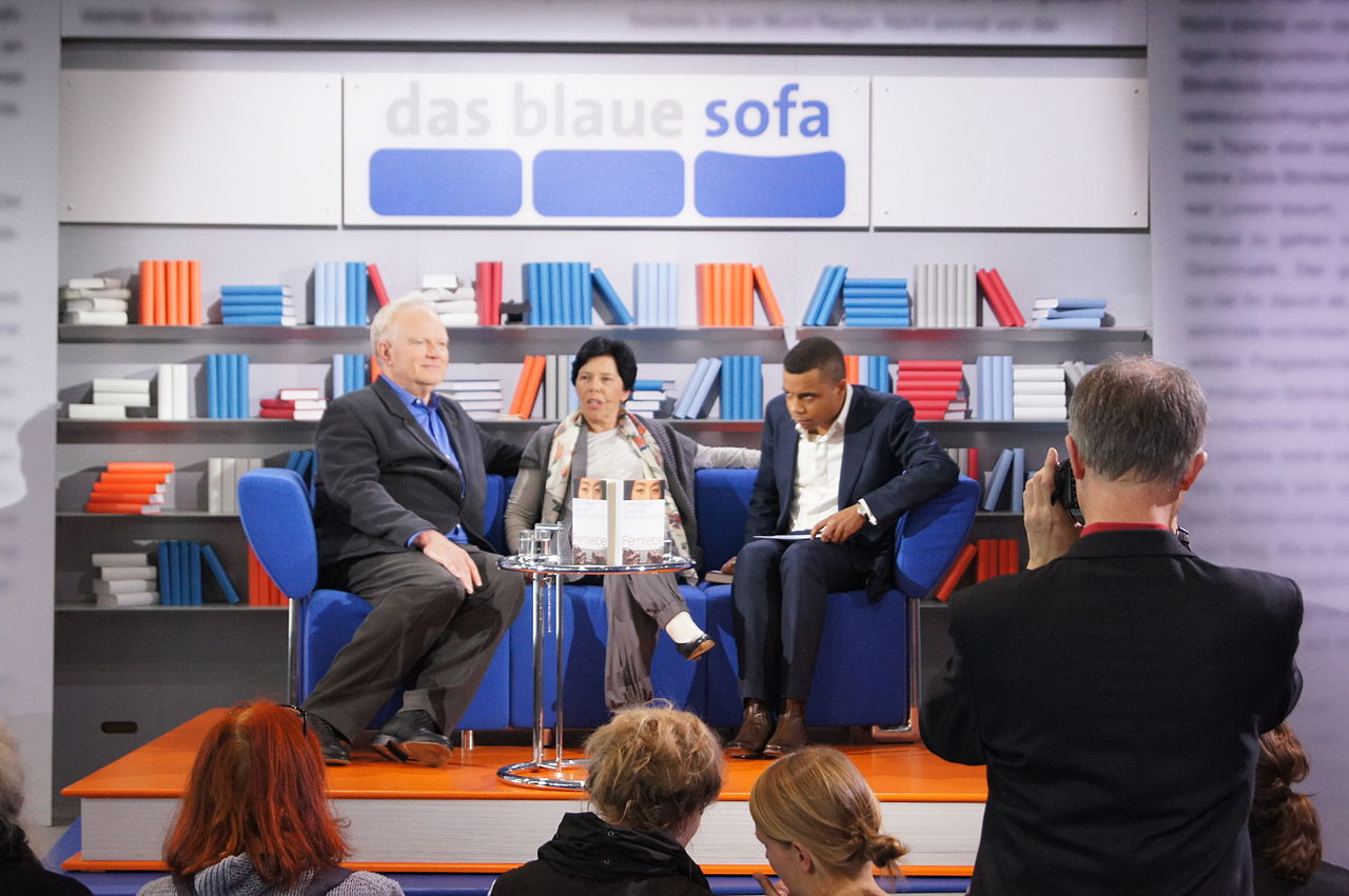 file das blaue sofa ulrich beck elisabeth beck gernsheim ren aguigah wikimedia commons. Black Bedroom Furniture Sets. Home Design Ideas