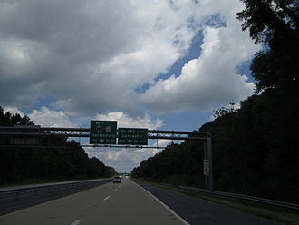 Airport Connector (Harrisburg) - The Airport Connector approaching PA 283 in Harrisburg