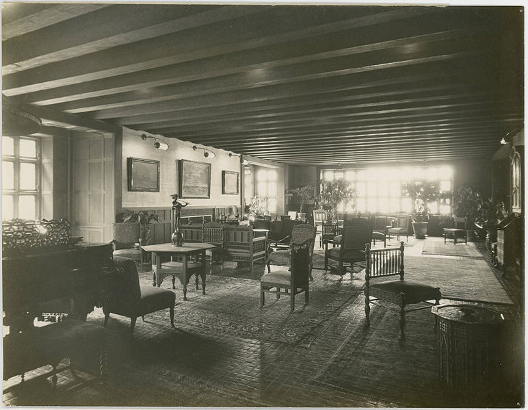 The Deanery, Dorothy Vernon Room, Bryn Mawr College. Credit: Pritchett, Ida W/Wikimedia Commons CC-PD-Mark