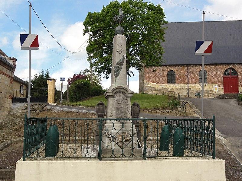 Dercy (Aisne) monument aux morts