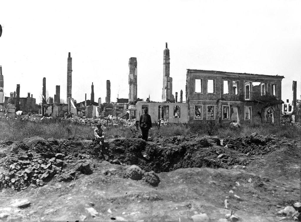 Destroyed buildings around Gallipoli