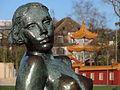 Die 'Sitzende' (Hermann Hubacher) - Chinagarten Zürich - Seefeld-Quai 2013-04-13 17-44-37 (P7700).JPG