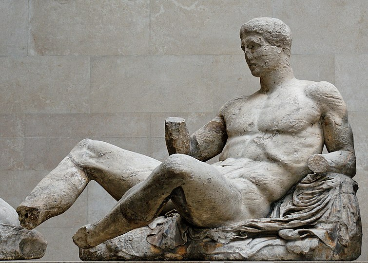 painted greek sculpture essay Compare contrast greek and roman art and architecture compare/contrast greek and roman art and architecture since the onset of greek and roman civilizations centuries ago we have seen the art and architectural worlds evolve into what we know them as today.