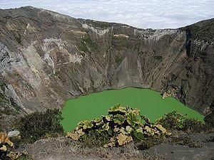 Irazú Volcano National Park - Irazú volcano crater