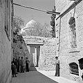 Doorkijk naar de Heilige Grafkerk in Jeruzalem, Bestanddeelnr 255-5204.jpg