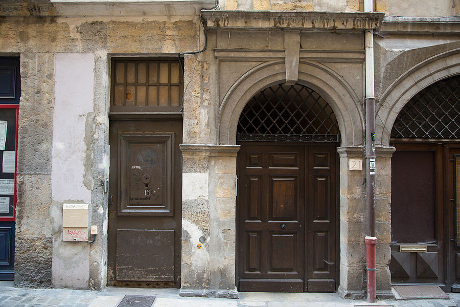 Doors of Lyon, France 17.jpg
