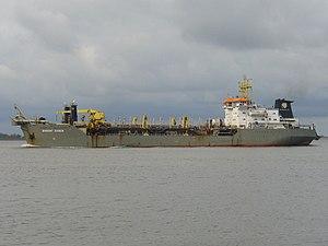 Dredge ship Barent Zanen 2012-04-15.jpg