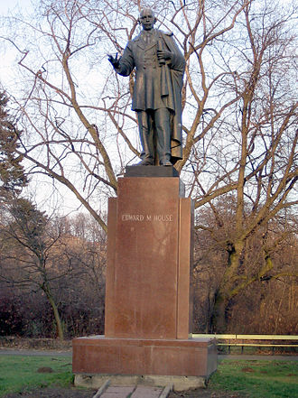 Edward M. House - Edward M. House statue in Warsaw