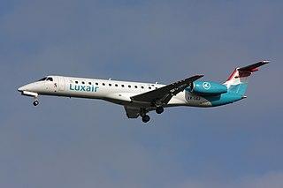 https://upload.wikimedia.org/wikipedia/commons/thumb/9/94/ERJ-145_Luxair_LX-LGJ.jpg/320px-ERJ-145_Luxair_LX-LGJ.jpg