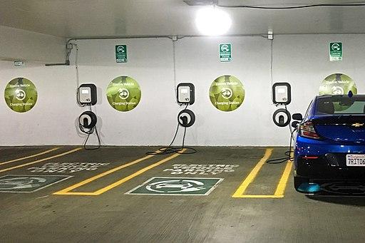 EV charging stations Arlington 08 2017 5219