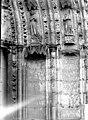 Eglise - Portail ouest, détail - Saint-Sulpice-de-Favières - Médiathèque de l'architecture et du patrimoine - APMH00036048.jpg
