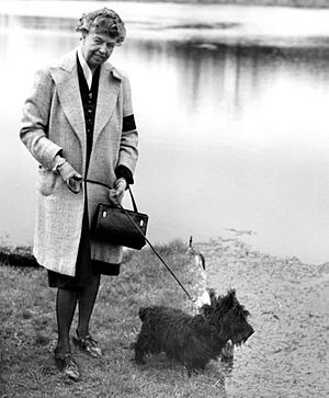 Fala (dog) - Eleanor Roosevelt walking Fala (1947)