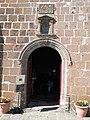 Entrée de la chapelle de Notre-Dame de Vassivière.jpg