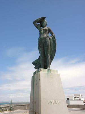 Estatua Gades, obra del escultor gaditano Juan...