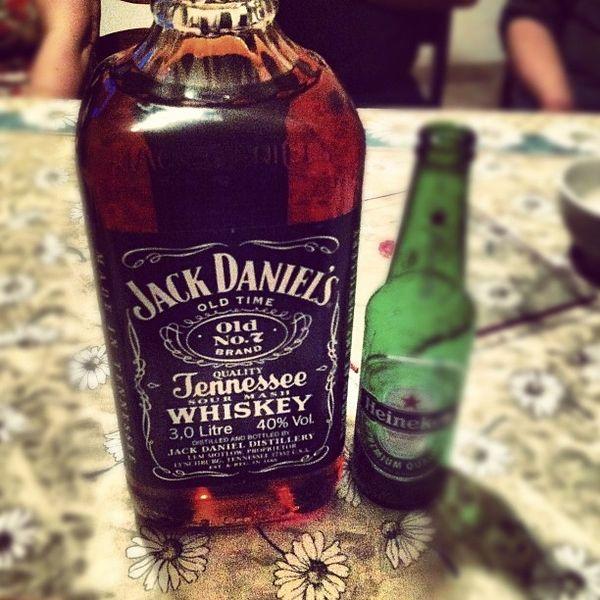 Et BIM 3 litres de Jack Daniel's!