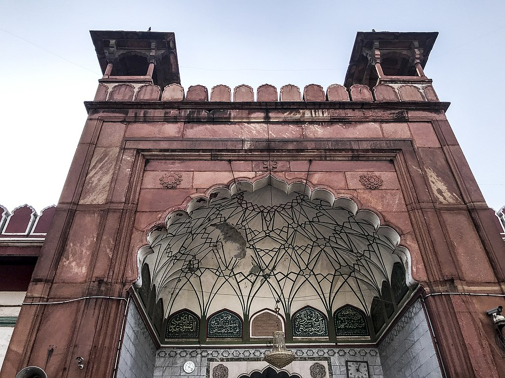 File:Fatehpuri Masjid in Delhi 17.jpg - Wikimedia Commons