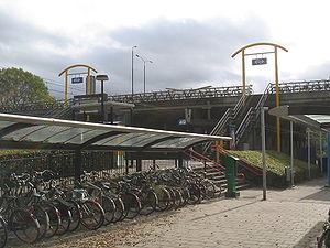 Delft Zuid railway station - Image: Fietsenstalling