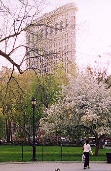 Elegant The Flatiron Building Seen From Madison Square Park (April 2003)