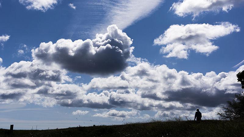 File:Fluffy Clouds (7574100516).jpg