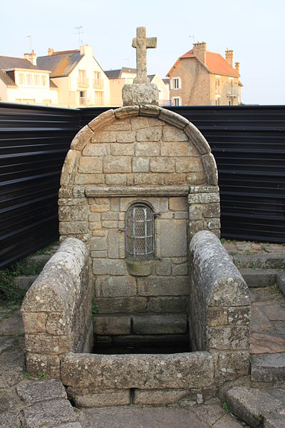 Fontaine Notre-Dame (Larmor-Plage)