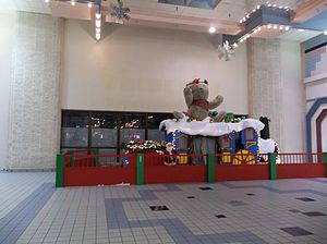 Harbor Square - The Former Steinbach/Value City entrance from the mall. Taken in December 2012, the mall put a Christmas display in front probably to distract shoppers from noticing one of their anchor stores has been vacant for several years.