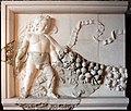 Frammento di fregio con amorini e ghirlande dall'esterno della cella del tempio di venere genitrice nel foro di cesare, età traianea, 113 dc ca. 01.JPG