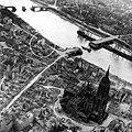 Frankfurt Am Main-Schopenhauerhaus-Luftbild Zerstoerung-1945.jpg
