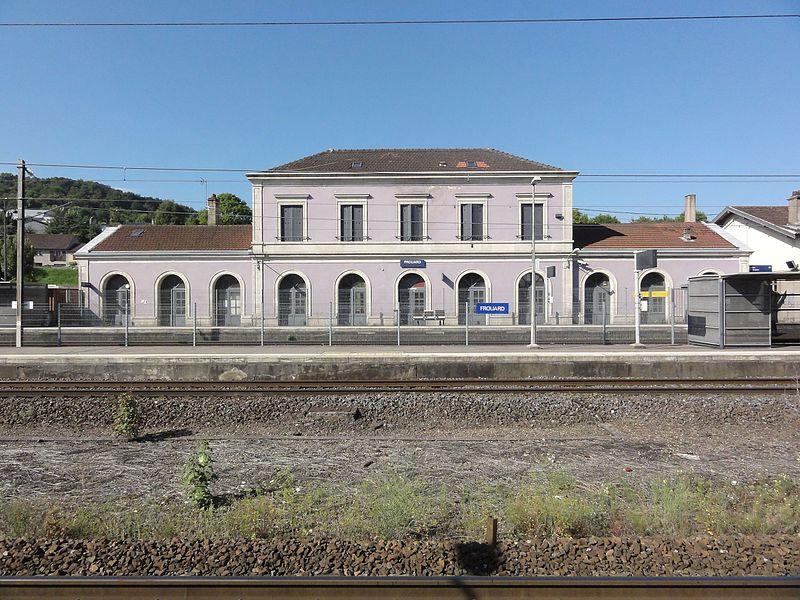 Frouard (Meurthe-et-Moselle) gare, bâtiment coté quais