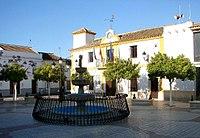 Fuente de la plaza del Ayuntamiento de Aguadulce.jpg