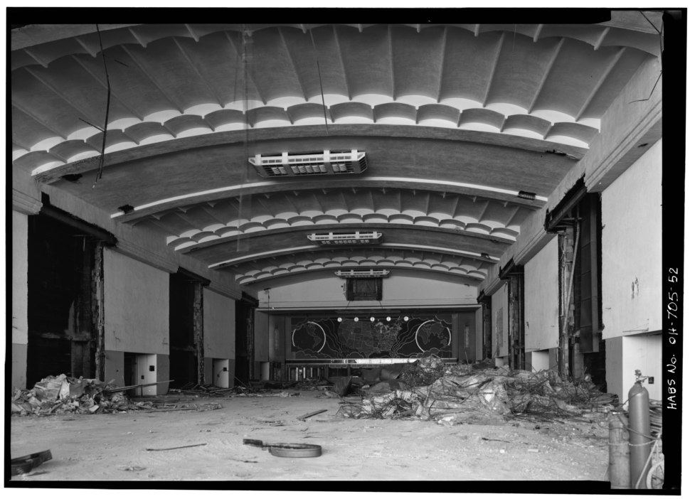 GENERAL INTERIOR VIEW OF CONCOURSE PRIOR TO DEMOLITION - Cincinnati Union Terminal, 1301 Western Avenue, Cincinnati, Hamilton County, OH HABS OHIO,31-CINT,29-52