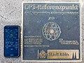 GPS-Referenzpunkt Köln mit Smartphone-9700.jpg