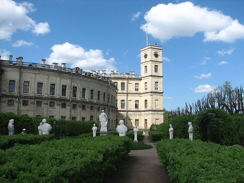 File:Gatchina. Sobstvenny sad.jpg